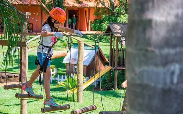 Em Cardoso, Eco Resort Foz do Marinheiro tem pacotes para férias de verão