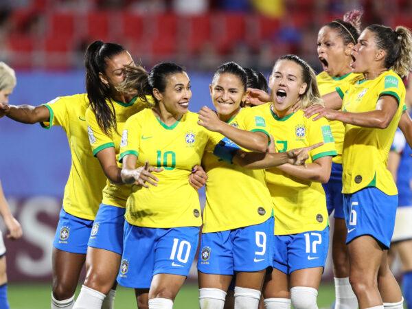 Museu do Futebol lança o Audioguia Mulheres do Futebol, narrado por Leci Brandão